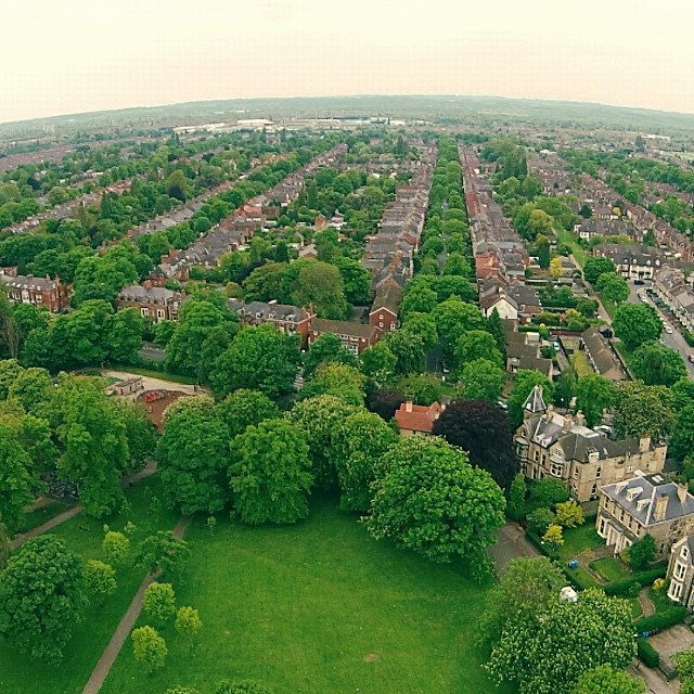 HU5 - the greenest part of the city #dji #drone #hull